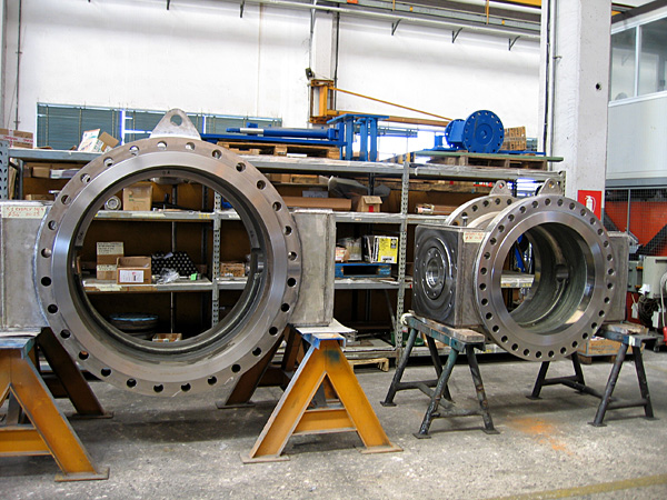 Butterfly valves, bodies ready for assembling