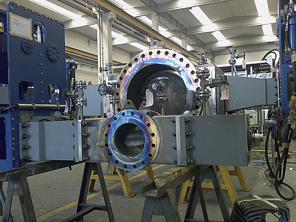 Set of butterfly valves, with actuators, after hot stroke testing