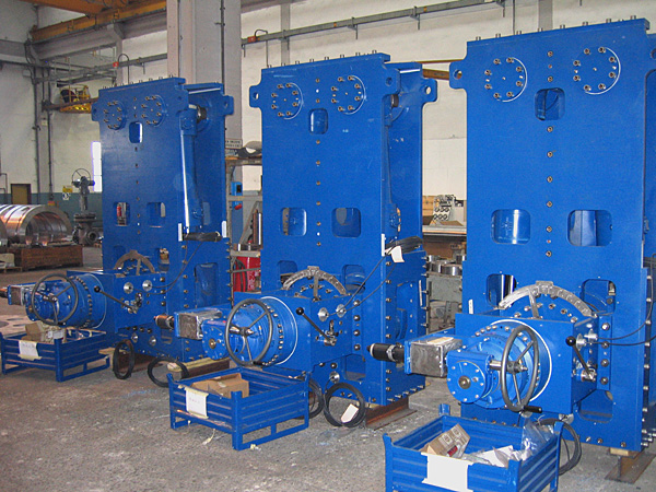 Set of rotary actuators ready for packing and shipping