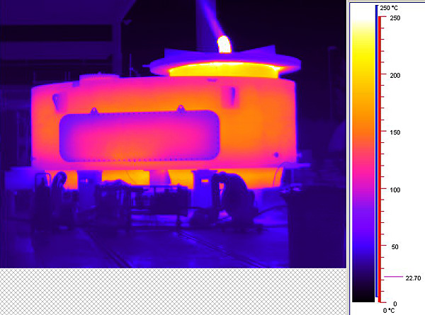 Hot stroke test on a two-port diverter valve: thermographic image