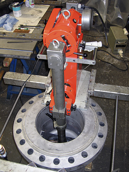 Split-wedge valve: seat boring
