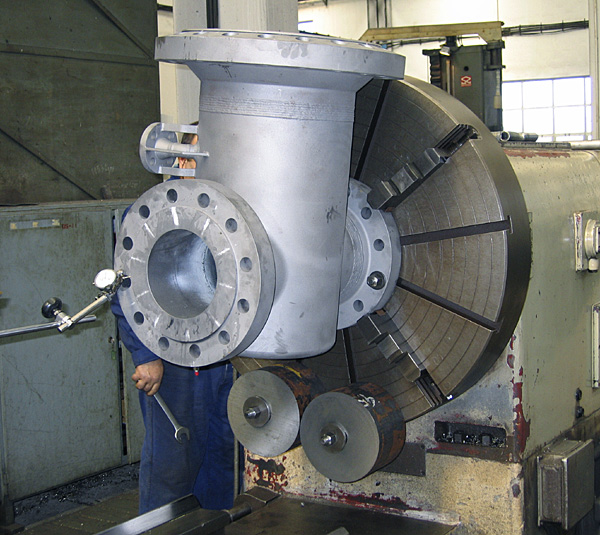 Split-wedge valve: body machining