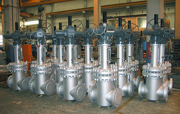 Split-wedge valves ready for packing and shipping